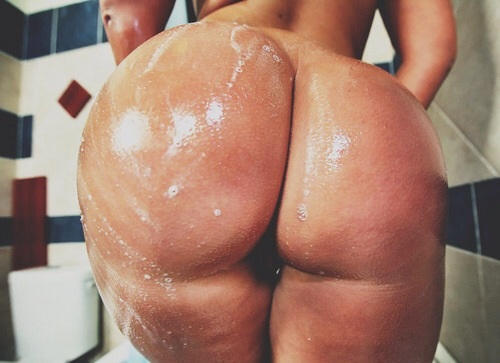 Wet whooty